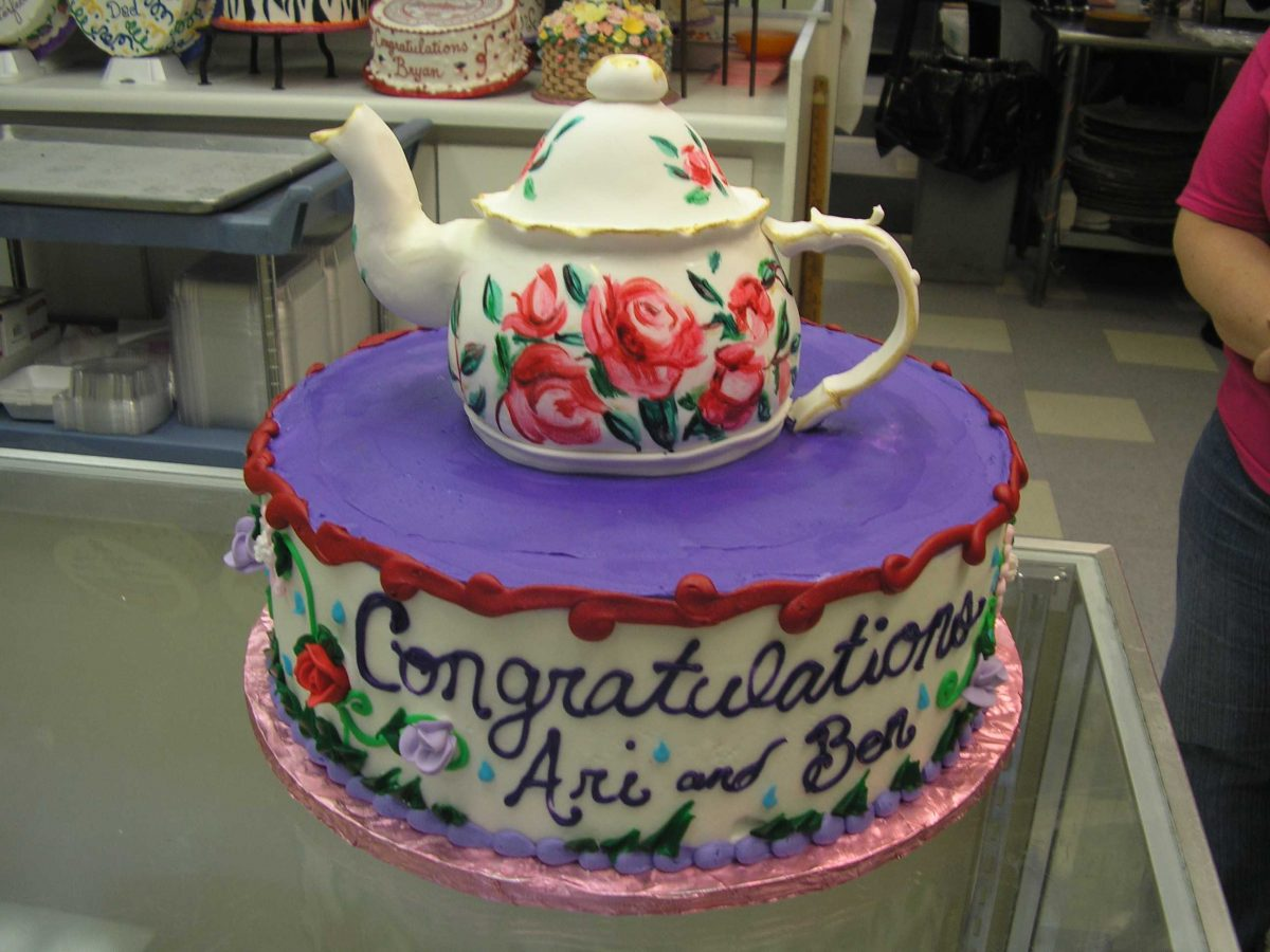bridal shower cake, tea pot cake