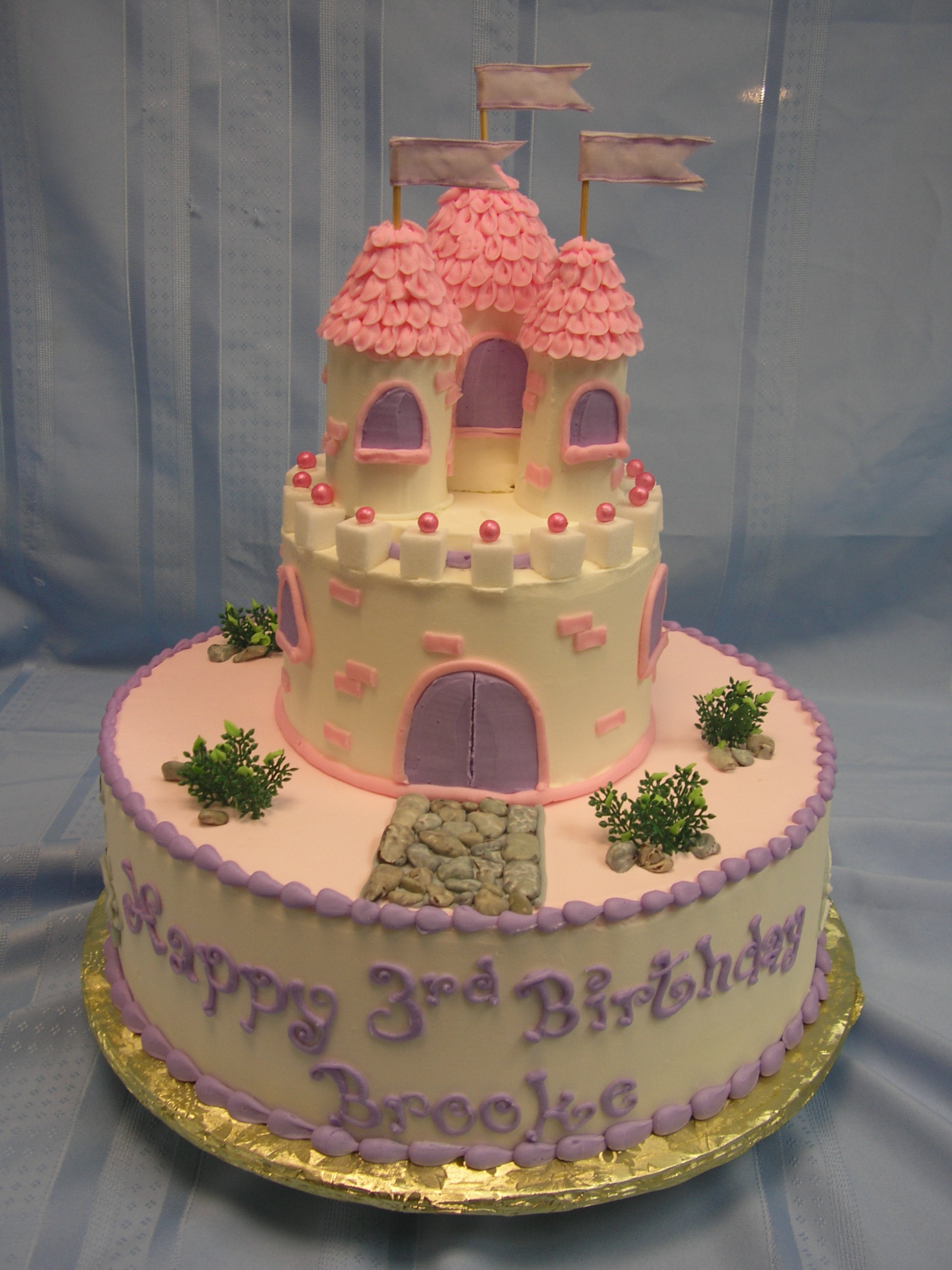 2 tier castle cake, cake with castle and moat