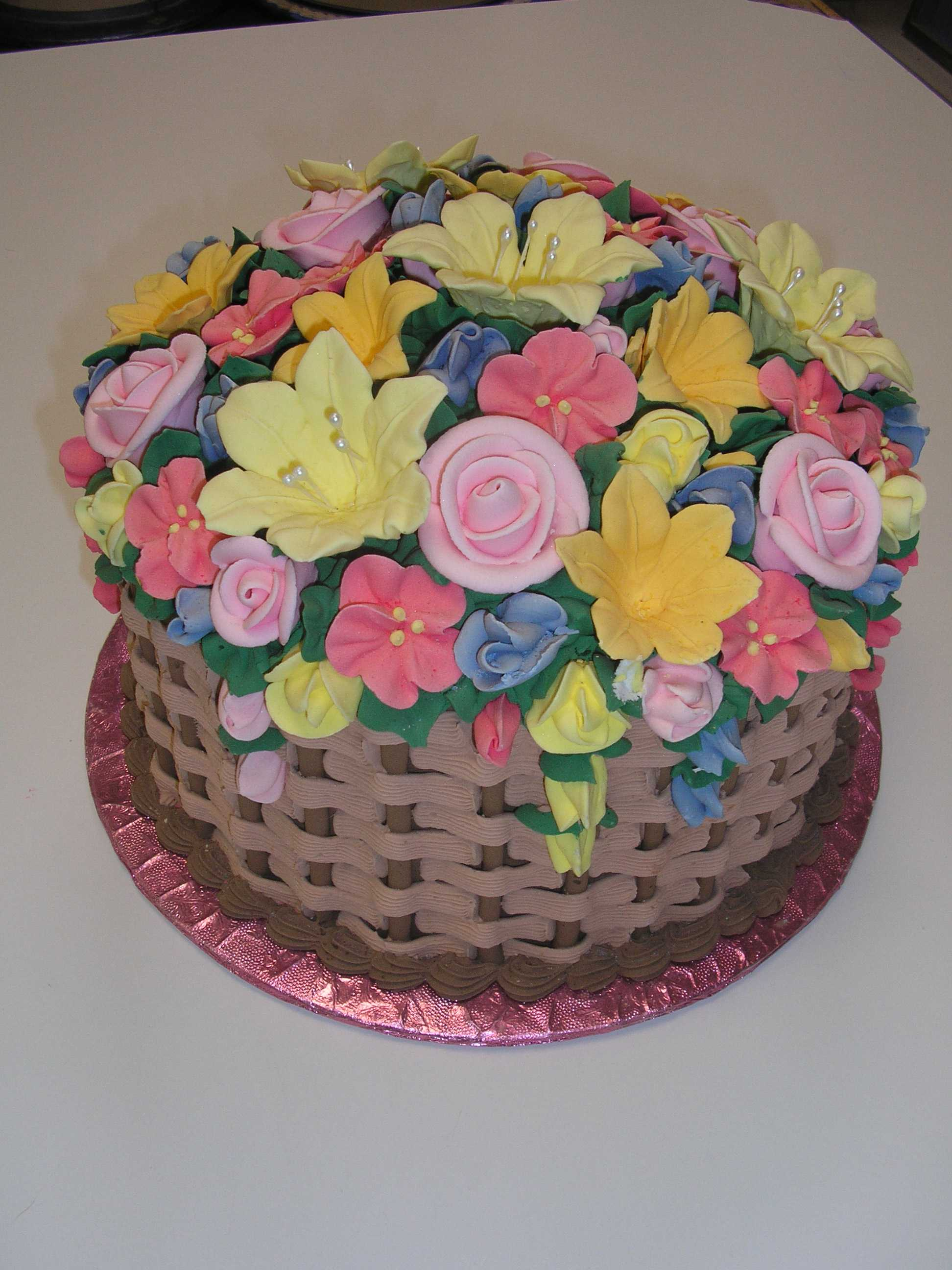 basket of flowers cake