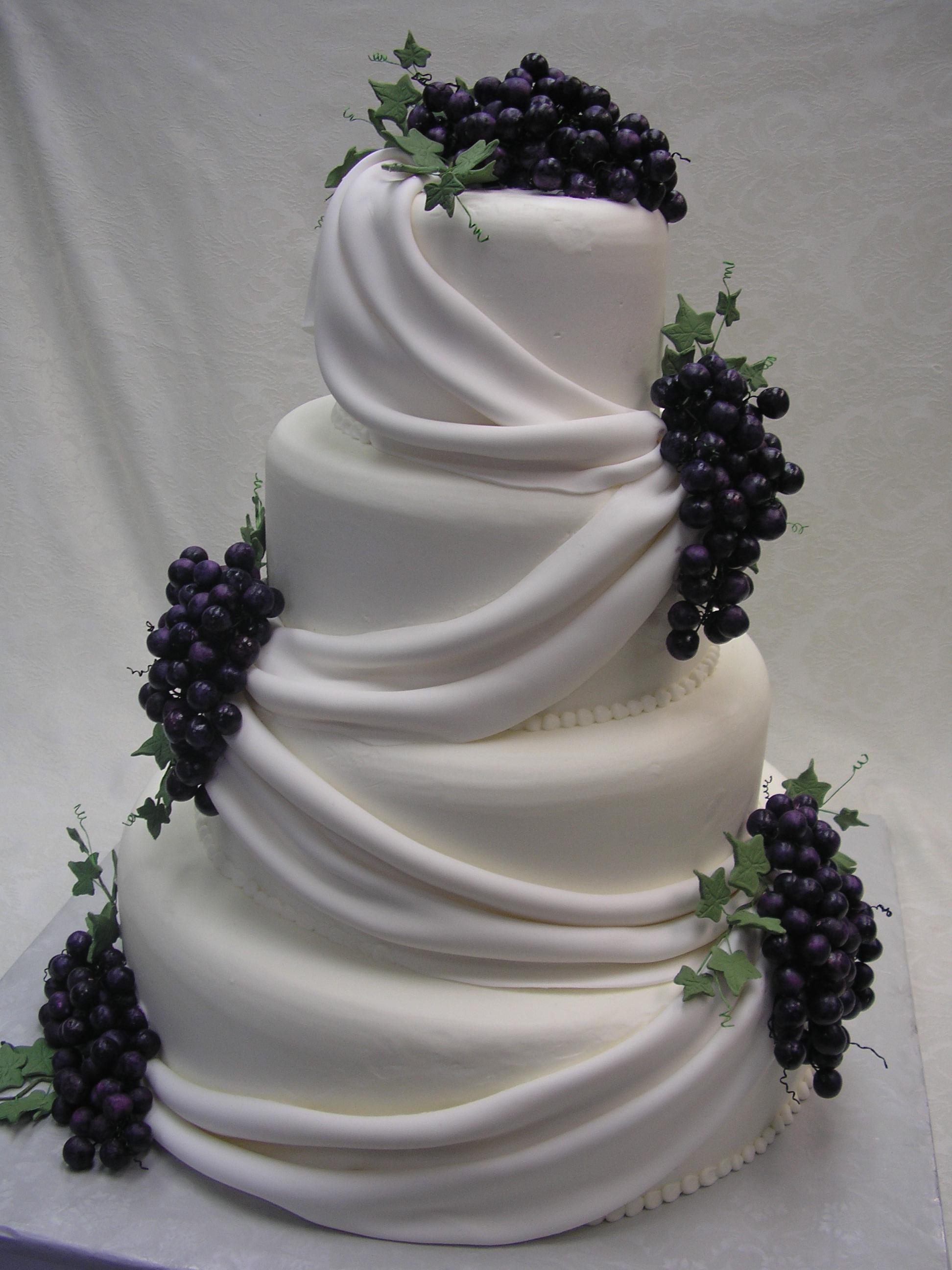 Wedding Cake, grapes