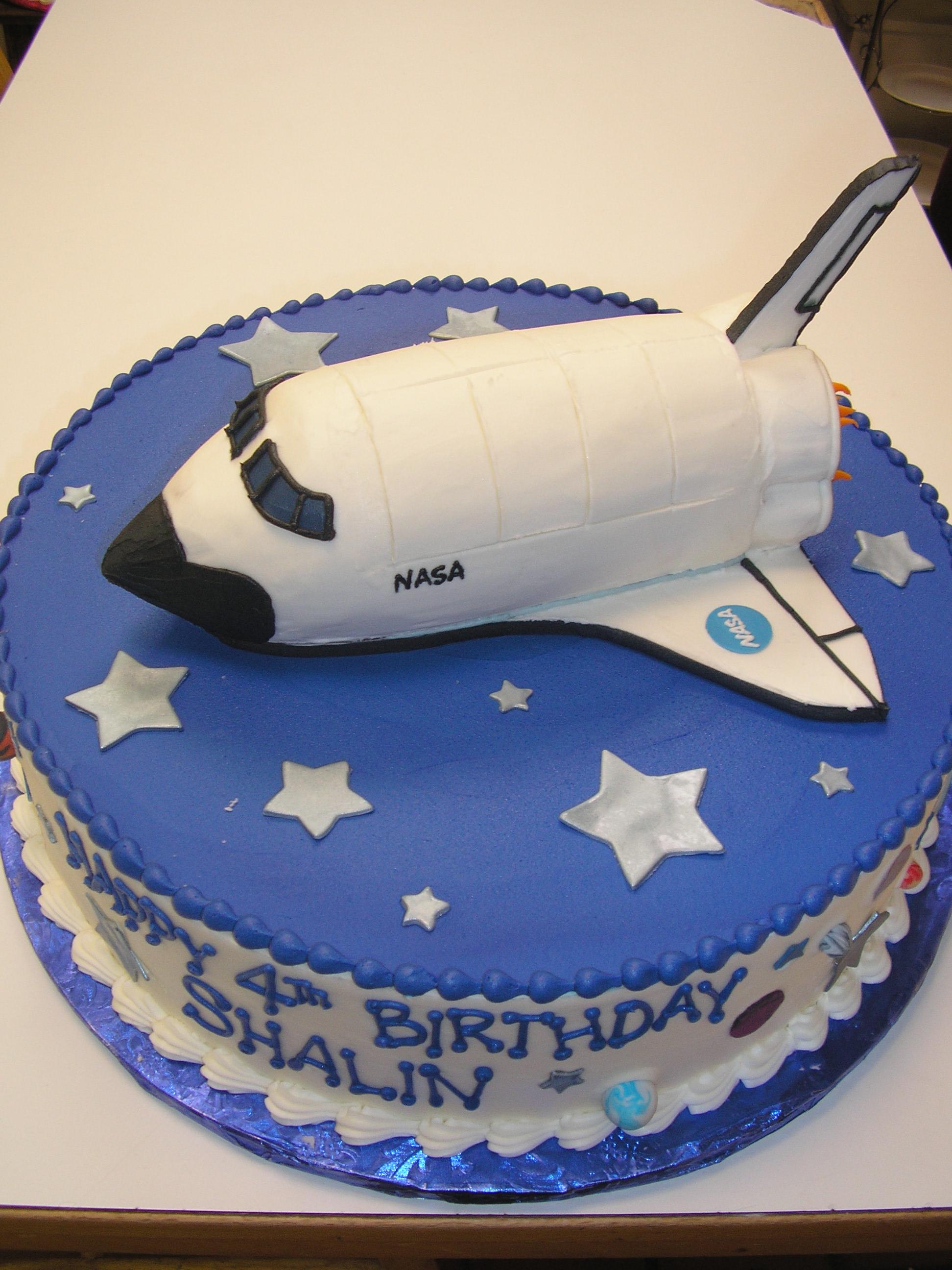 space shuttle cake, NASA cake, 3D space shuttle cake