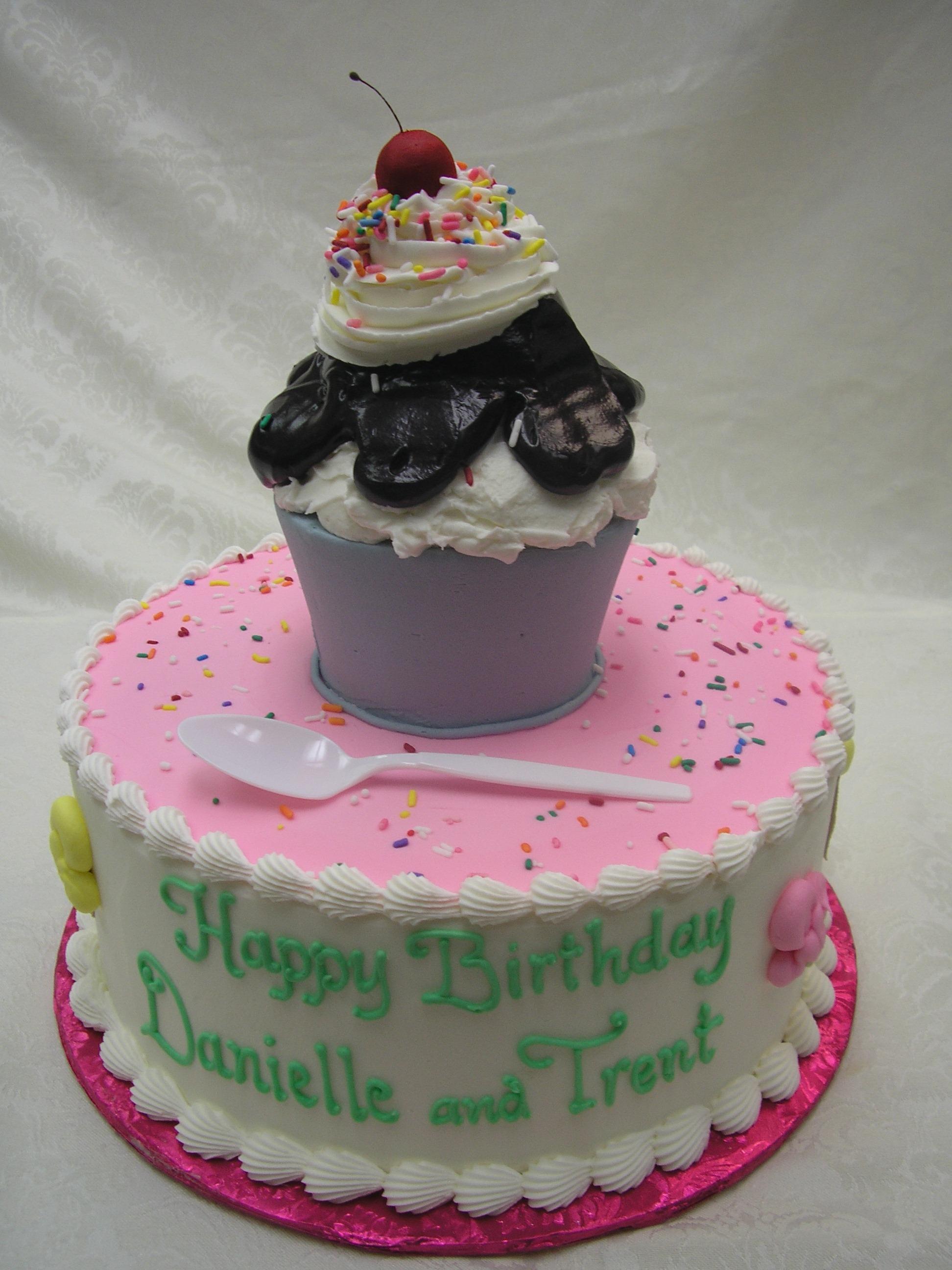 3D ice cream sundae cake