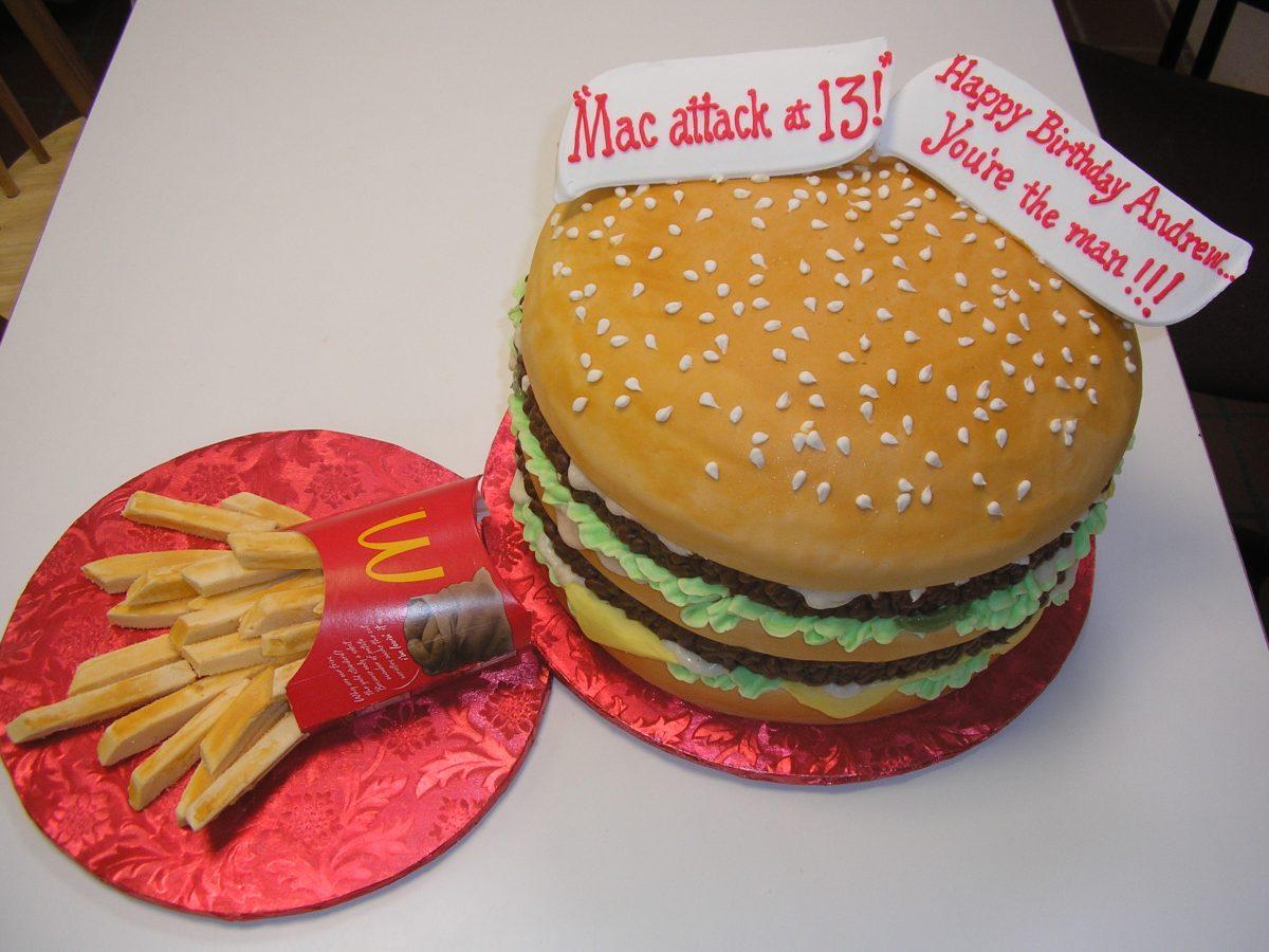 3D big mac cake