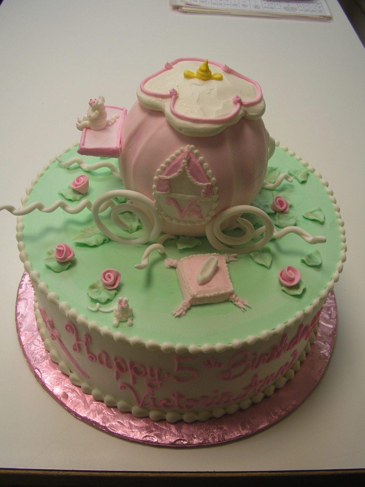 princess coach cake, cinderella coach cake, 3D princess coach