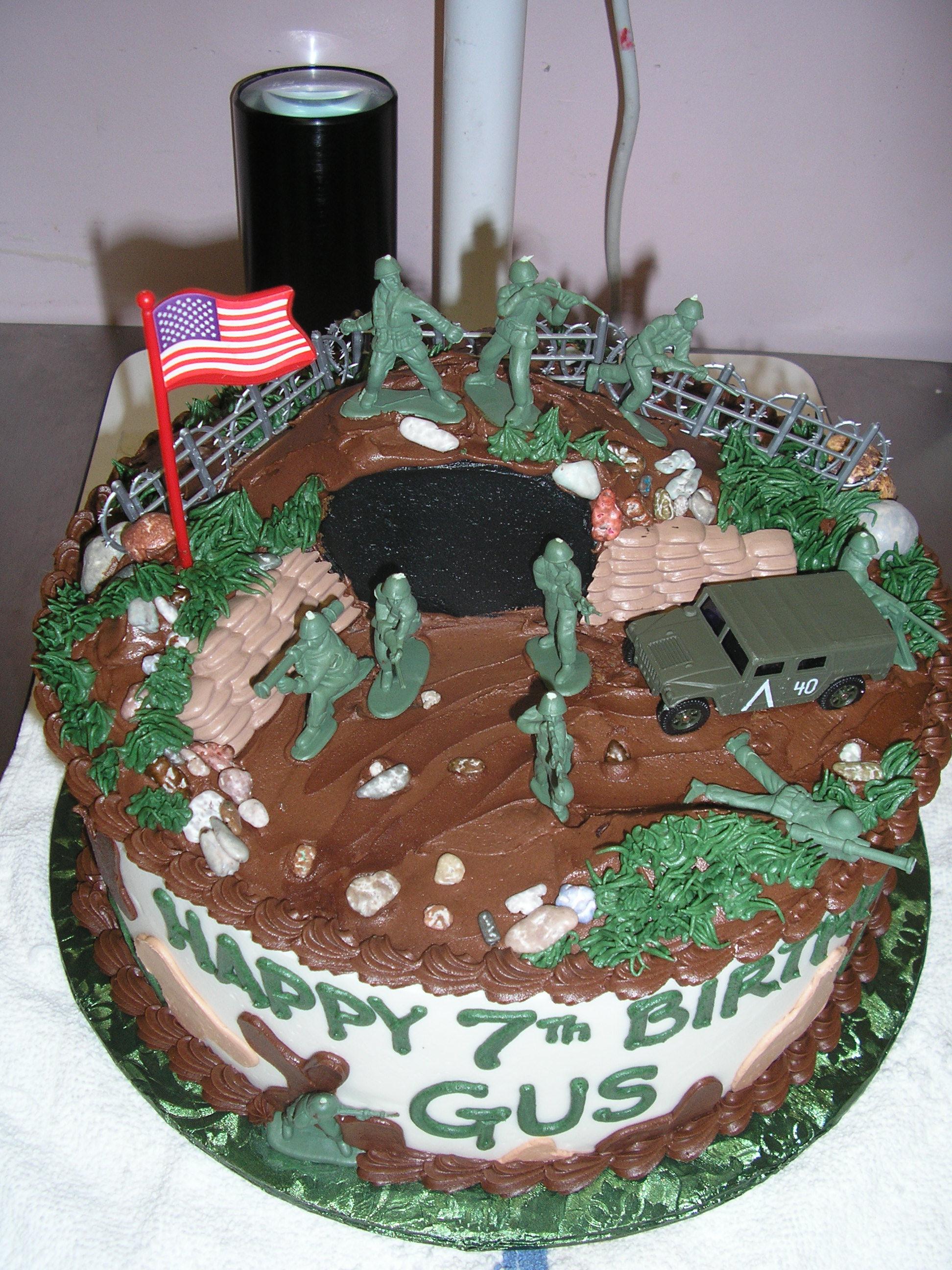 army men cake, contoured top cake, camouflage cake